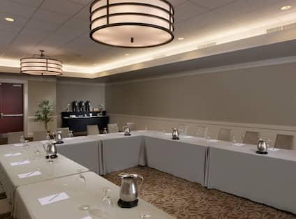 Meeting Room Ushape