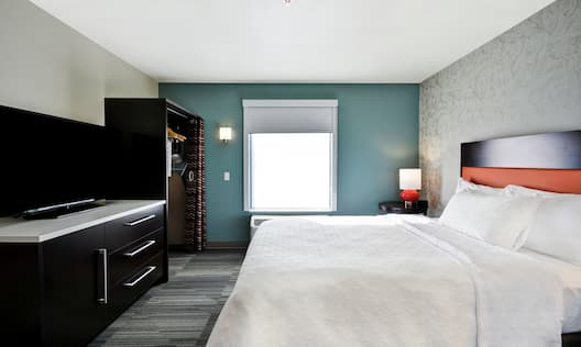 Guest Room with HDTV