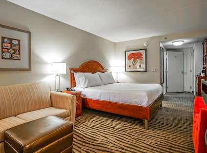 King guest room with sofa sleeper