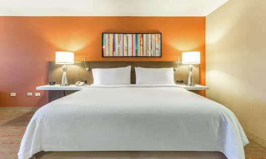 King Deluxe Bedroom