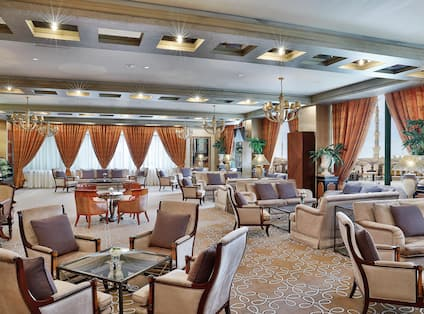 Enjoy a morning coffee or a Hiltonia Mocktail, views of the Holy prophet?s Masjid from Najd cafe.
