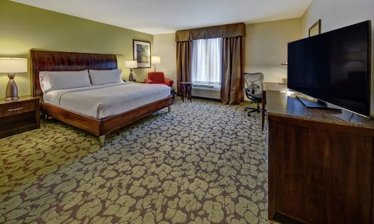 Accessible Guest Room with King Bed and HDTV