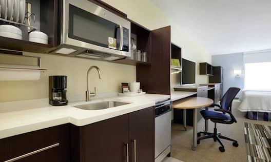 Two Queen Studio Suite Kitchen
