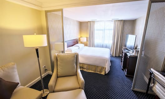 King Junior Suite with King Bed and seating area