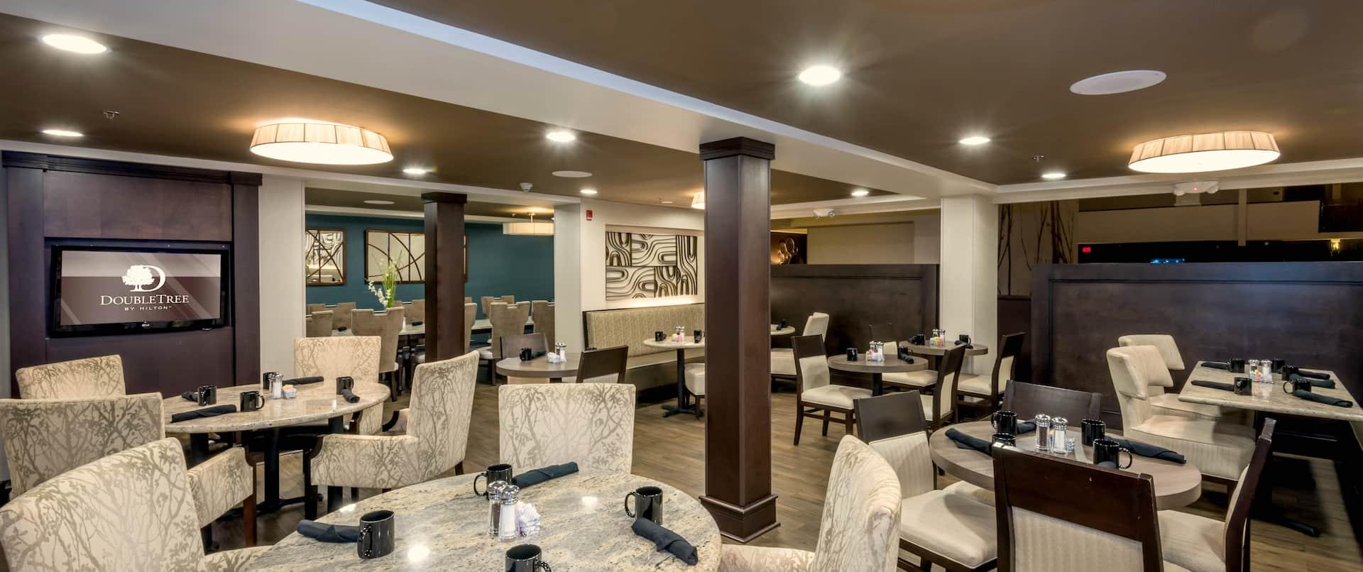One2Zero Restaurant Seating