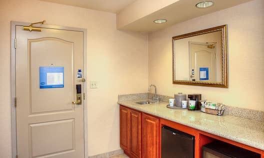Suite Vanity