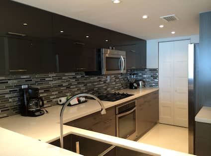 Condo with Full Kitchen