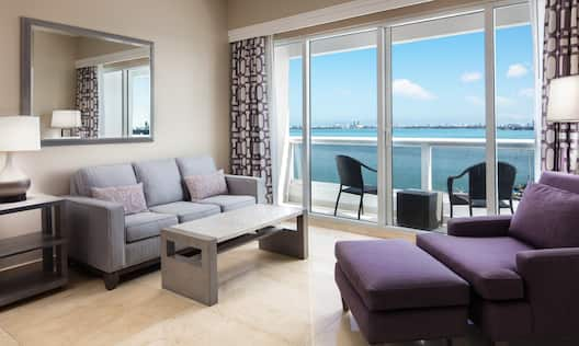 Living Room with Balcony and Bay View
