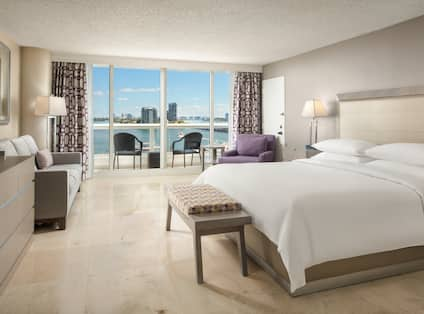 Accessible King Room with Bay View