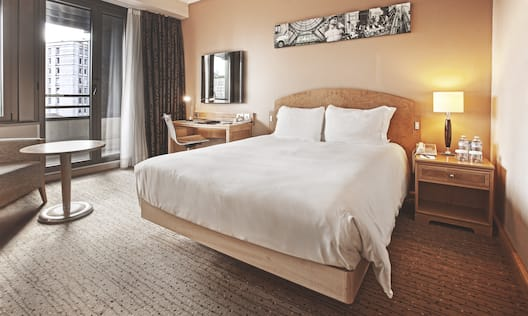 Queen Executive Guestroom