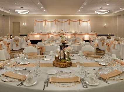 Tabletop Set for Wedding