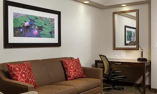 Junior Guest Suite Living Area