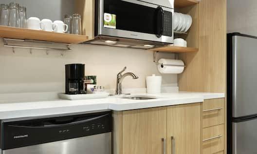 Full Kitchen in Suite