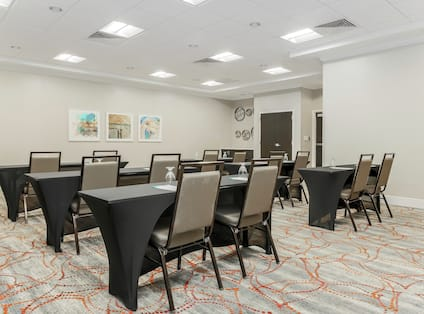 Classroom Style Set up Meeting Room