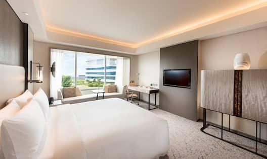 Conrad Manila Hotel, Philippines - King Deluxe City View