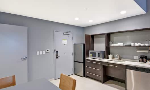 Guestroom Suite Kitchen Area