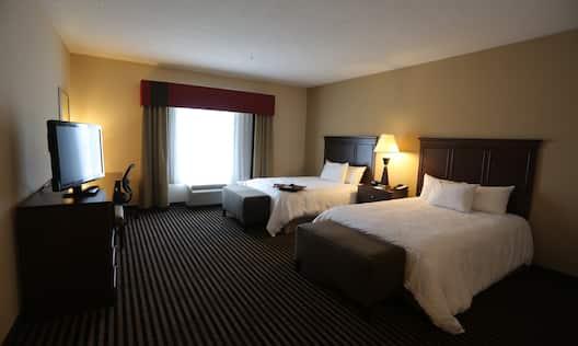 2 Queen Bed Guestroom