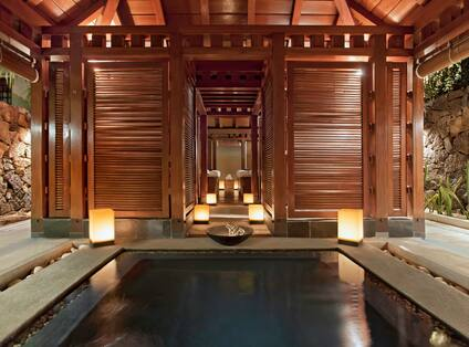 Private Cabin with Whirlpool