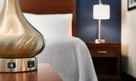 Charging Outlet on Lamp