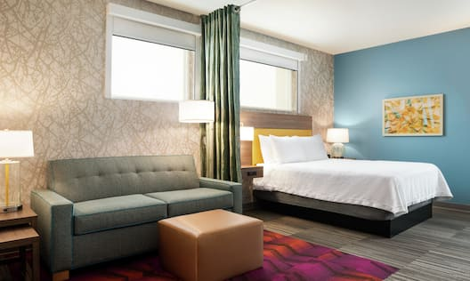 Accessible Queen Lounge Area and Bed