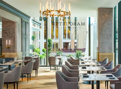 The Marquette Hotel, Curio Collection by Hilton, MN - Jacques Restaurant Atrium
