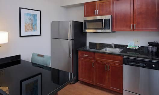In-Room Kitchen and Breakfast Table in Suite