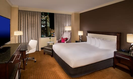 King Executive Level Guest Room