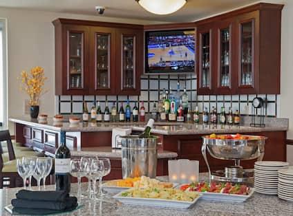 Garden Grille & Bar - Bar Area