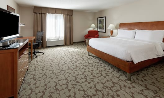 Accessible King Guestroom