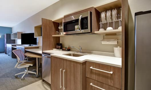 Double Queen Suite With Kitchen