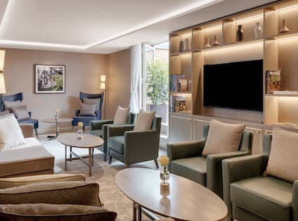Executive Lounge Soft Seating with TV