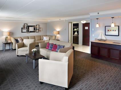Commodore Suite Living Area