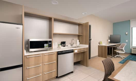 Home2 Suites by Hilton Las Cruces Hotel, NM - Accessible Kitchen