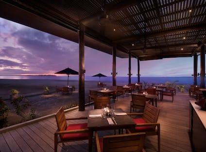 Maravu Dining, Evening