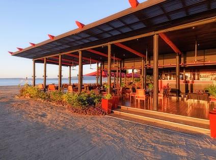 Maravu Bar On Beach