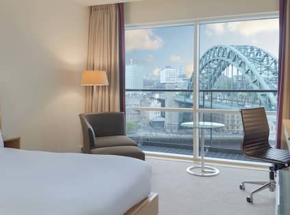 Queen Room with WiFi access