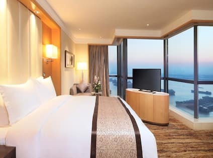 King Premier Room with View