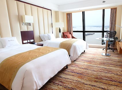 Twin Deluxe Guest Room with River View