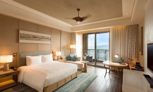 Standard Room King Lake View