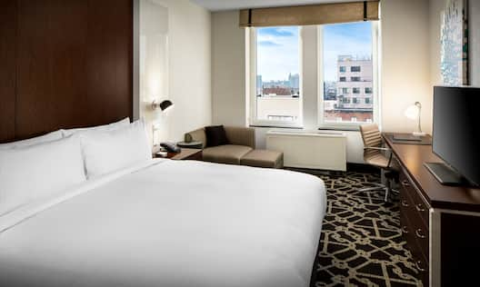 King-Sized Bed in Executive Guestroom