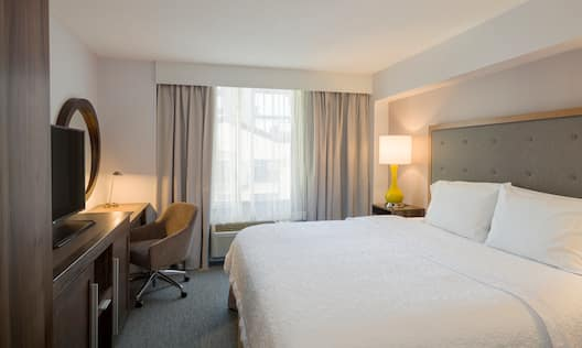 1 King Premium Guest Room