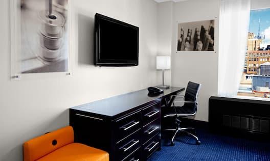 Guestroom Desk Daytime