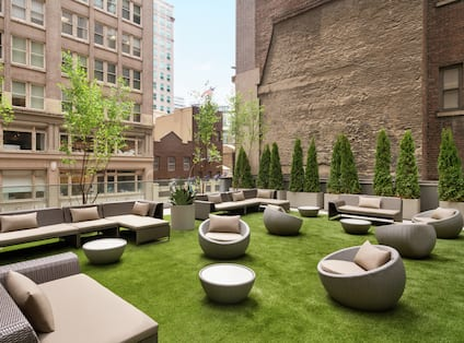 Skylawn Bar outdoor Area