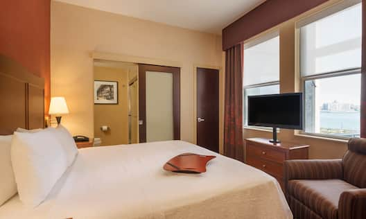 Standard King Guest Rooms