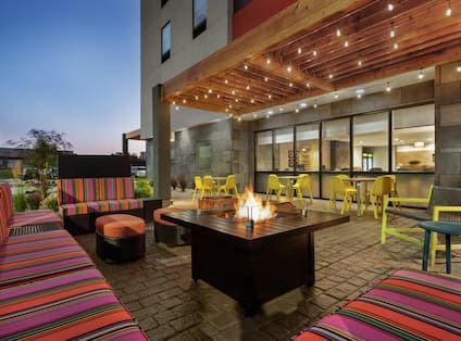 Outdoor Lounge with Firepit