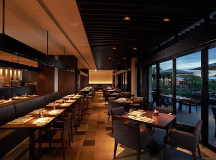 Italian Restaurant CORRENTE, Seating