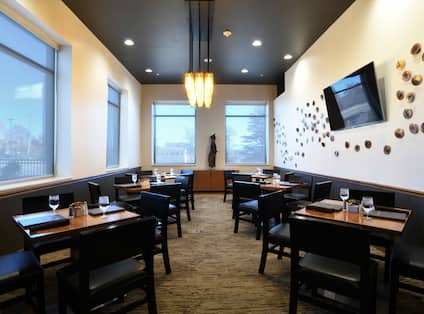 Select among creative spaces for dinners, luncheons & events.