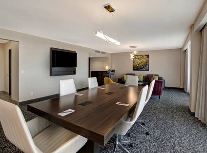 guest suite with conference table