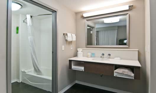 King Suite Minibar