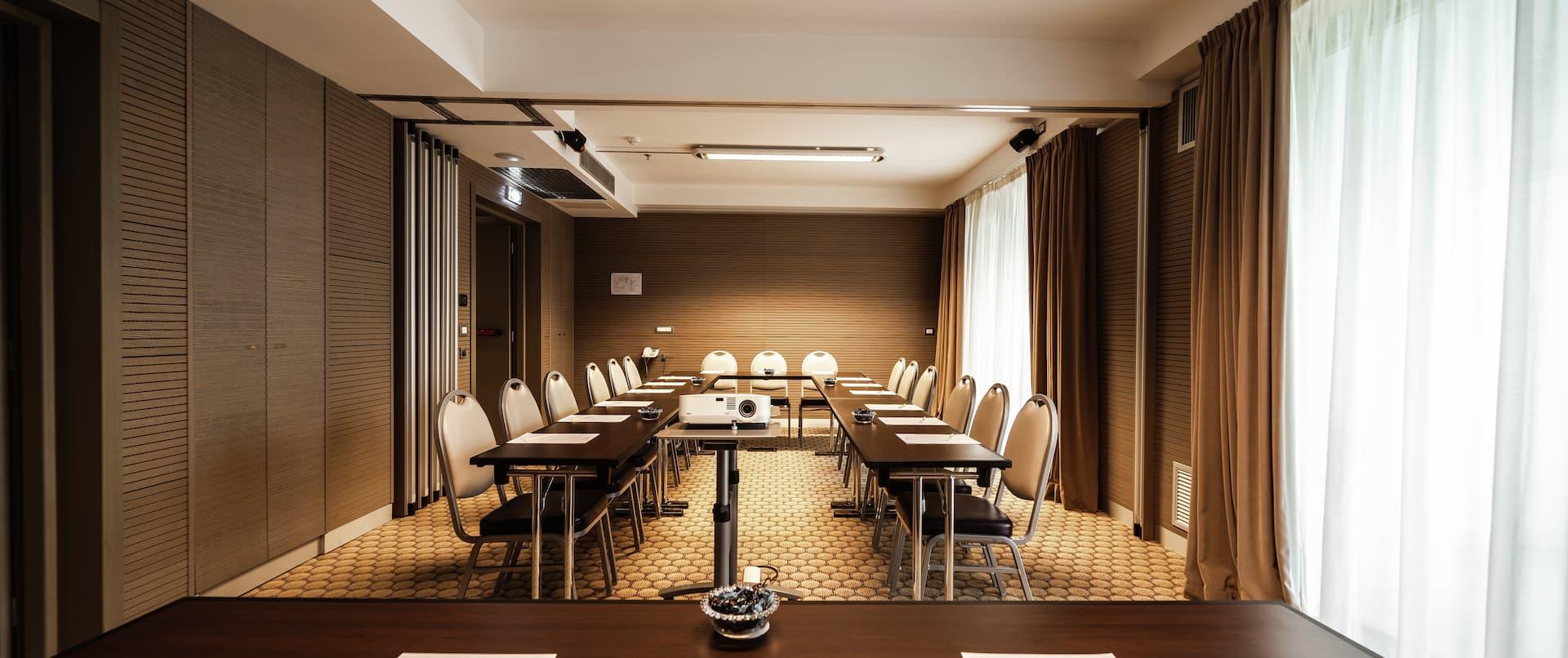 Grecale Meeting Room with U-Shape Setup